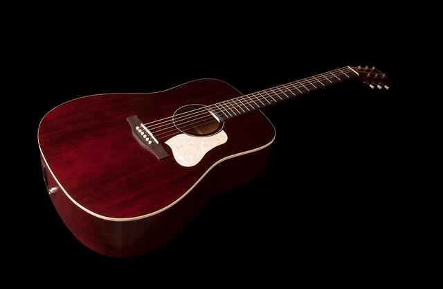 Art & Lutherie - Americana Tennessee Red - QIT